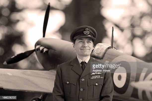 Squadra della seconda guerra mondiale Leader davanti Spitfire