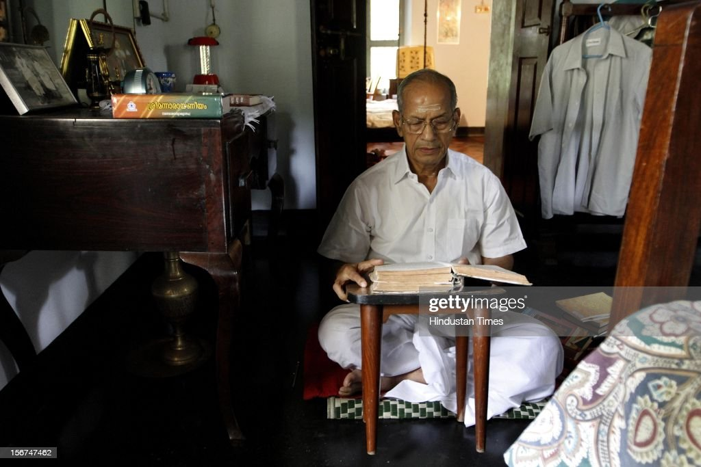 'KOCHI, INDIA - SEPTEMBER 3: E Sreedharan, former DMRC chief reading spiritual books at his residence on September 3, 2012 in Ponnani, India. (Photo by Arijit Sen/Hindustan Times via Getty Images)'