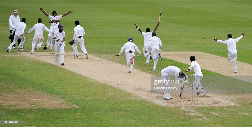 Sri Lanka celebrate taking the final wicket of James Anderson of England to win the 2nd Investec Test match between England and Sri Lanka at Headingley Cricket Ground on June 24, 2014 in Leeds, England.