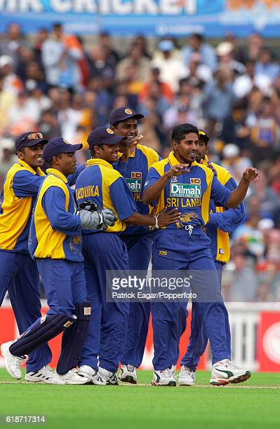 Sri Lanka players celebrate a wicket with Chaminda Vaas during the 3rd NatWest Series One Day International between India and Sri Lanka at The Oval...