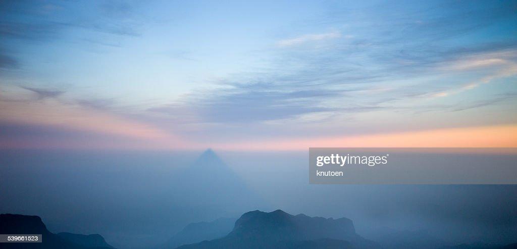 Sri Lanka, Sunrise at Adams Peak : Photo