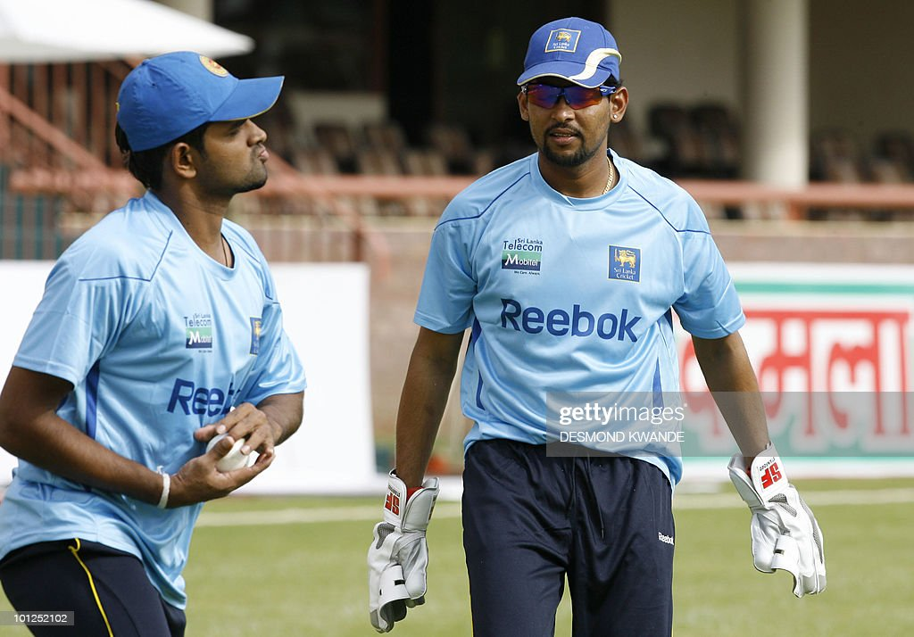 Sri lankan captain Tillakaratne Dilshan (R) and Lahiru Thirimanne (L) during a practice session in Bulawayo at Queens Sports Club on May 29, 2010. Sri lanka will be playing India on Sunday May 30th 2010 in the second match of the Micromax Cup Triangular One-Day International series that also includes the host Zimbabwe. AFP PHOTO / Desmond Kwande