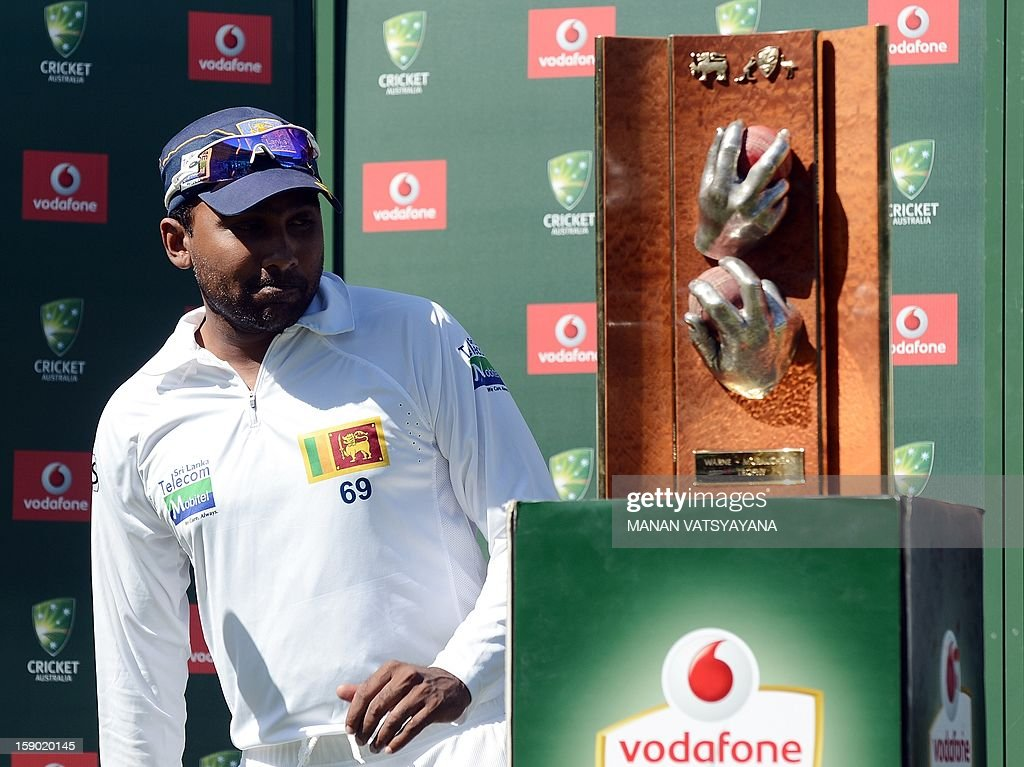 Sri Lankan cricket captain Mahela Jayawardena gestures after losing on the fourth day of the third cricket Test match between Australia and Sri Lanka at the Sydney Cricket Ground on January 6, 2013. Australia beat Sri Lanka in the three Test series 3-0.
