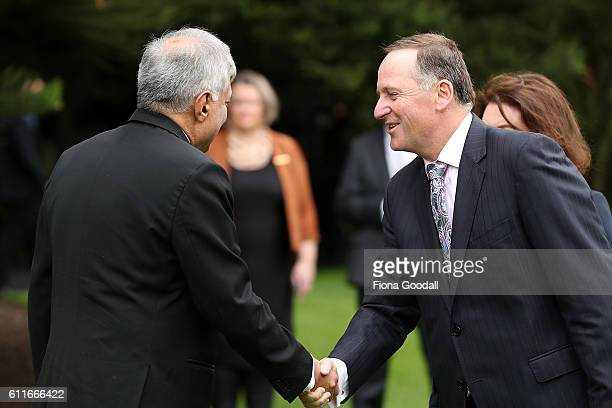 Sri Lankan Prime Minister Ranil Wickremesinghe meets New Zealand Prime Minister John Key at a Ceremony of Welcome at Government House on October 1...