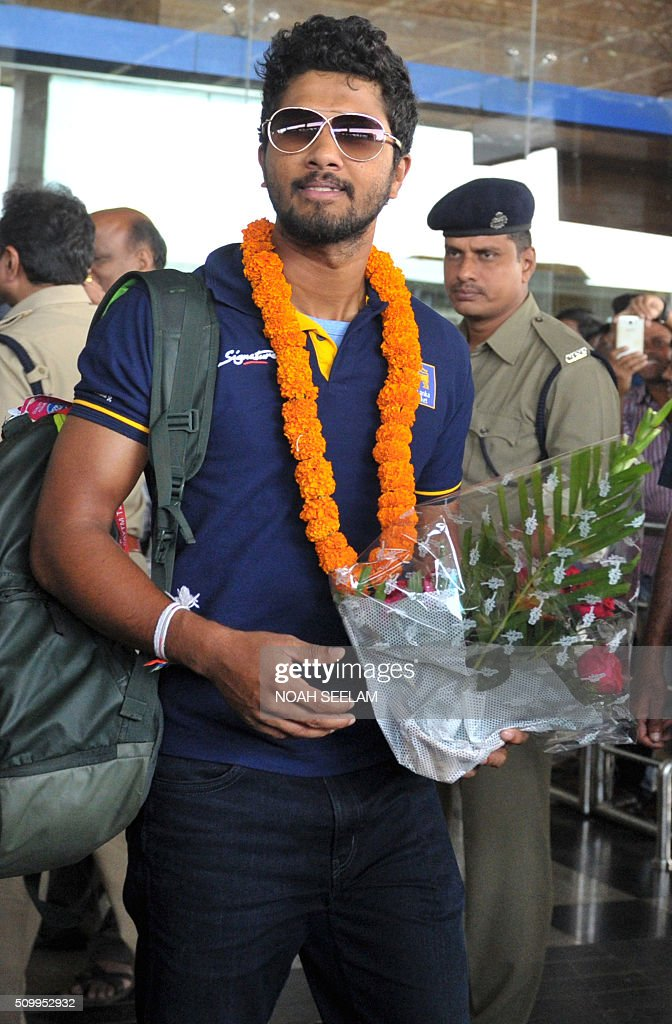 Sri Lankan T20 cricket captain Dinesh Chandimal arrives at the airport in the Indian town of Visakhapatnam on February 13, 2016.The third T20 international match between India and Sri Lanka will be played on February 14. AFP PHOTO / Noah SEELAM. ---- IMAGE RESTRICTED TO EDITORIAL USE - STRICTLY NO COMMERCIAL USE ---- / AFP / NOAH SEELAM