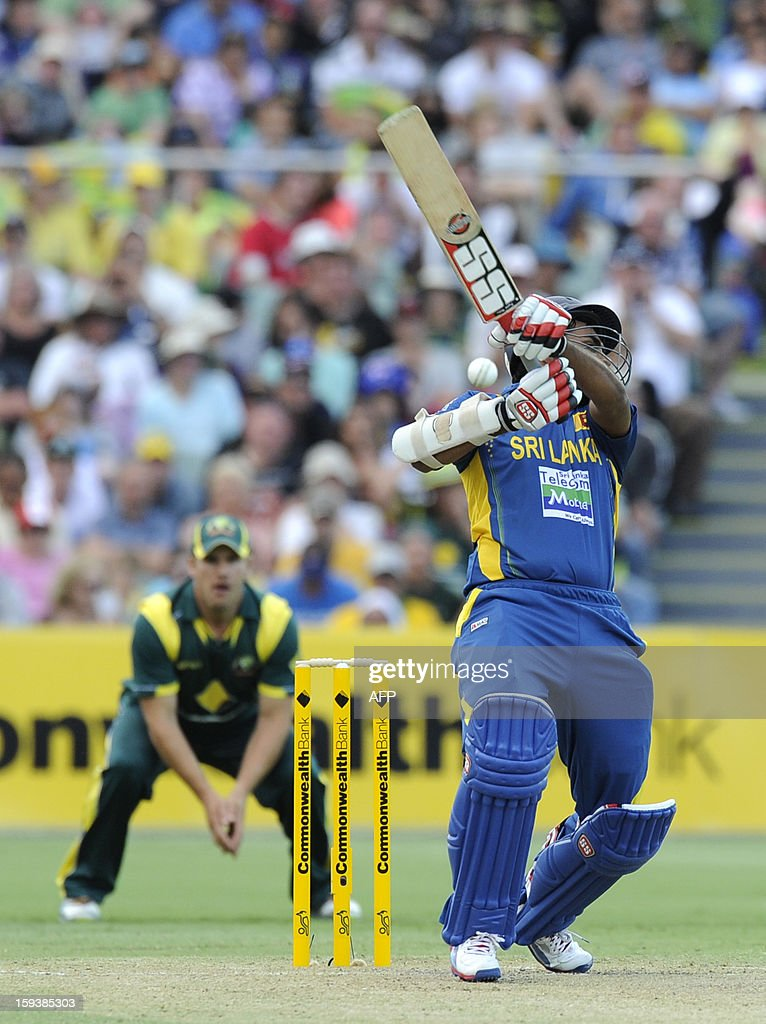 Sri Lanka's Lahiru Thirimanne (R) bats against Australia during their one-day international cricket match at the Adelaide Oval on January 13, 2013. AFP PHOTO / David Mariuz USE