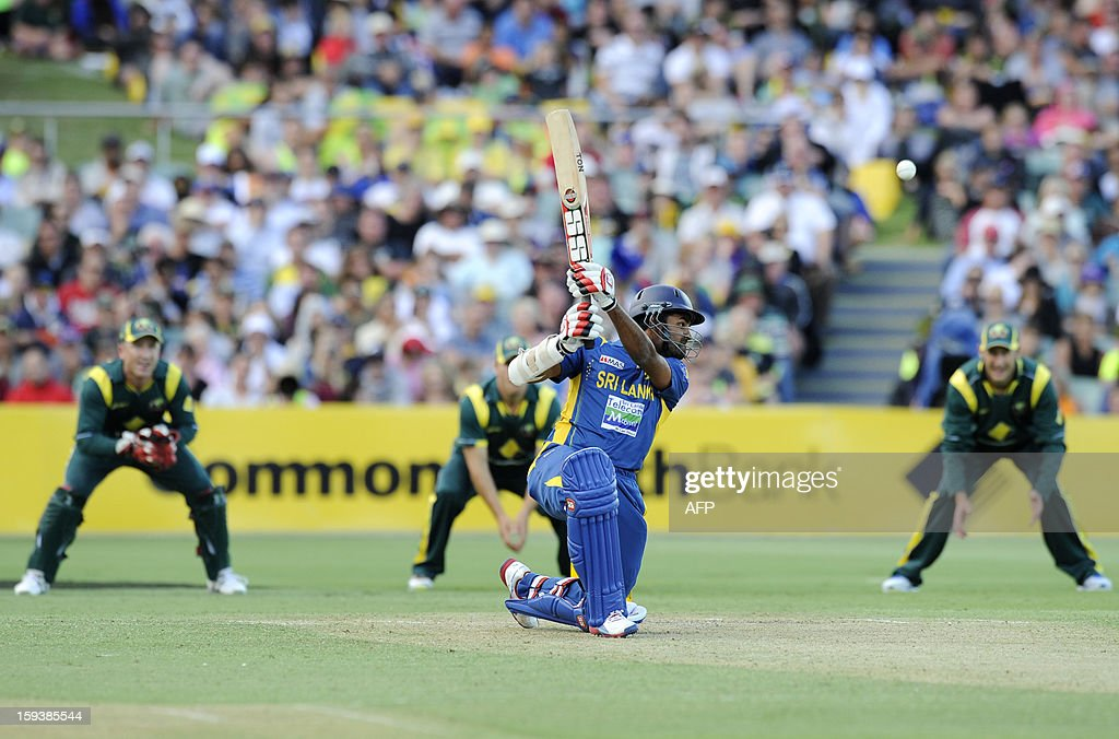 Sri Lanka's Lahiru Thirimanne (C) bats against Australia during their one-day international cricket match at the Adelaide Oval on January 13, 2013. AFP PHOTO / David Mariuz USE