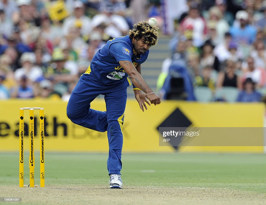 Sri Lanka's Lasith Malinga bowls to Australia during their one-day international cricket match at the Adelaide Oval on January 13, 2013. AFP PHOTO / David Mariuz USE