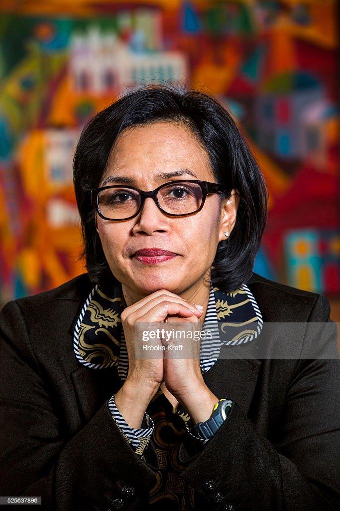 sri mulyani Lebih terkenal dengan sapaan sri mulyani, wanita cerdas ini saat ini (2010) menjadi derektur pelaksana bank dunia beliau adalah wanita asia pertama yang.