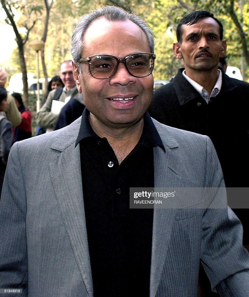 Srichand Hinduja one of the three brothers of Londonbased Hindujas business empire arrives at the Central Bureau of Investigation office in New Delhi...