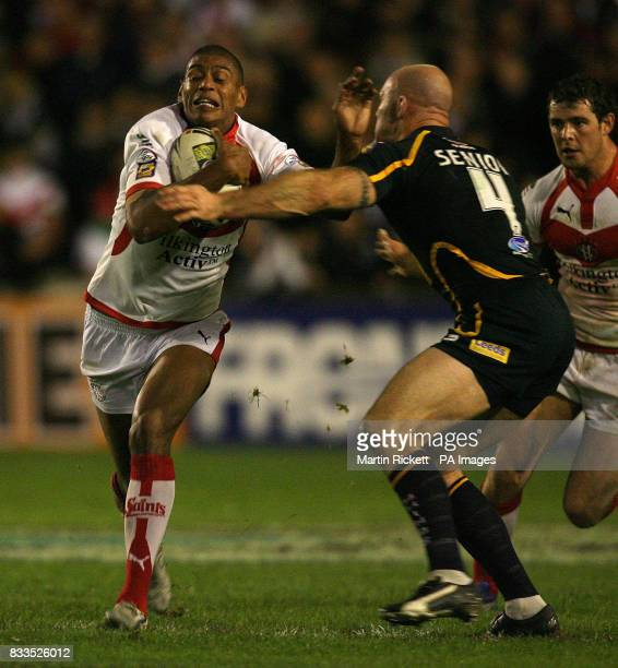 St Helen's Leon Pryce is tackled by Leeds' Keith Senior during the engage Super League Qualifying SemiFinal at Knowsley Road