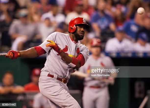 St Louis Cardinals Center field Dexter Fowler eyes a hit ball during the MLB regular season game between the St Louis Cardinals and the Kansas City...