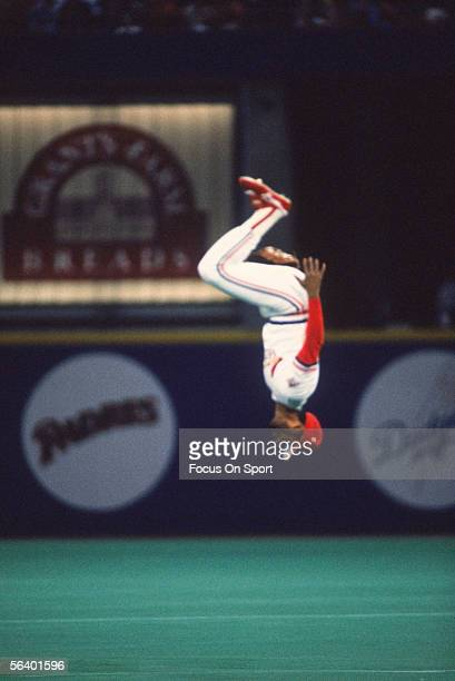 St Louis Cardinals' shortstop Ozzie Smith does his customary backflip prior to the game during the World Series against the Minnesota Twins at Busch...