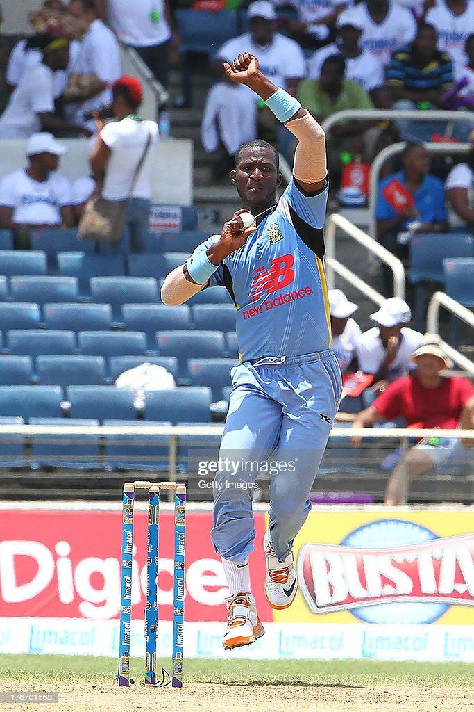 St Lucia Zouks captain Darren Sammy bowls during the Eighteenth Match of the Cricket Caribbean Premier League between St. Lucia Zouks v Trinidad and Tobago Red Steel at Sabina Park on August 17, 2013 in Kingston, Jamaica.