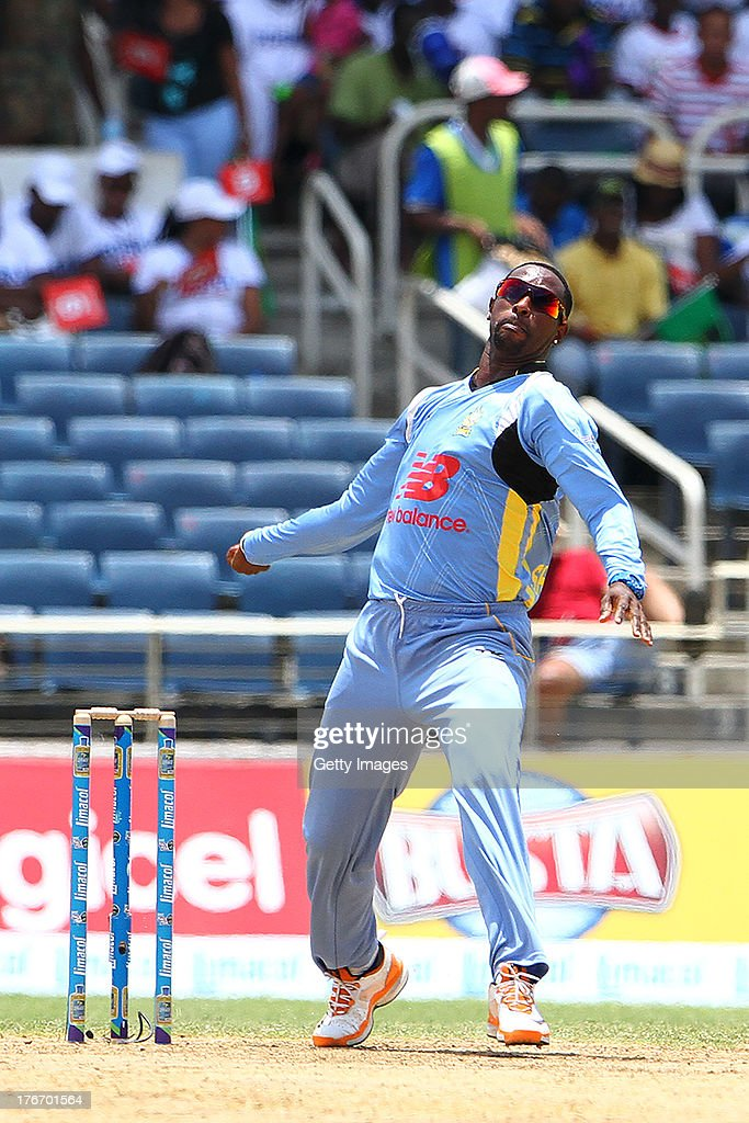 St Lucia Zouks Shane Shillingford bowls during the Eighteenth Match of the Cricket Caribbean Premier League between St. Lucia Zouks v Trinidad and Tobago Red Steel at Sabina Park on August 17, 2013 in Kingston, Jamaica.