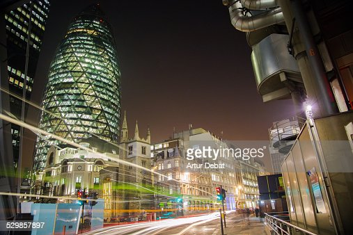 30 St Mary Axe building at night with car lights