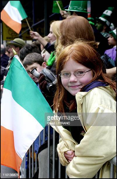 St Patrick's Day Parade in New York United States on March 17 2001 On Fifth av since 240 years it's the oldest and largest parade in the world An...