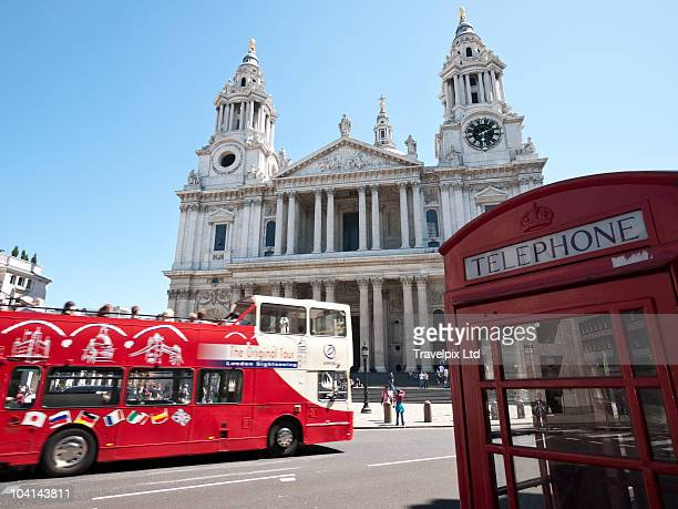 St Pauls Cathedral and London Bus