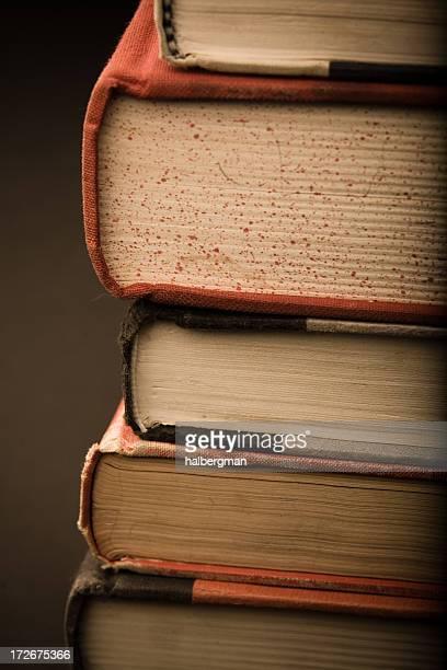 スタックの書籍(セピア