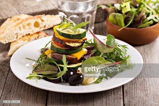 Pila de vegetales a la parrilla : Foto de stock
