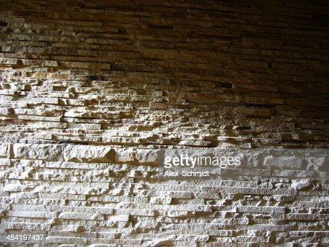 Apilar pared de piedra : Foto de stock