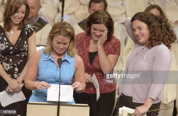Stacy Boyer reads during the memorial service for Laci Peterson and her unborn son Conner May 4 2003 in Modesto California About 3000 people gathered...
