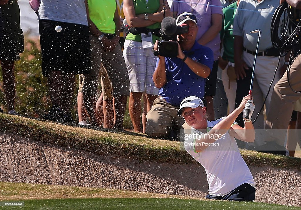 <a gi-track='captionPersonalityLinkClicked' href=/galleries/search?phrase=Stacy+Lewis&family=editorial&specificpeople=4217318 ng-click='$event.stopPropagation()'>Stacy Lewis</a> chips from the bunker onto the 15th hole green during the final round of the RR Donnelley LPGA Founders Cup at Wildfire Golf Club on March 17, 2013 in Phoenix, Arizona.