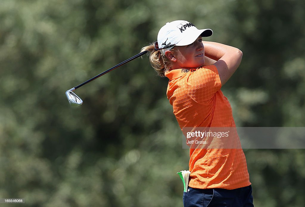 <a gi-track='captionPersonalityLinkClicked' href=/galleries/search?phrase=Stacy+Lewis&family=editorial&specificpeople=4217318 ng-click='$event.stopPropagation()'>Stacy Lewis</a> hits her tee shot on the eighth hole during the first round of the Kraft Nabisco Championship at Mission Hills Country Club on April 4, 2013 in Rancho Mirage, California.