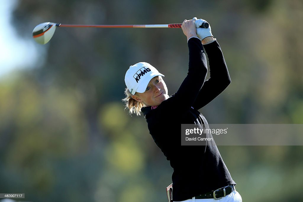 <a gi-track='captionPersonalityLinkClicked' href=/galleries/search?phrase=Stacy+Lewis&family=editorial&specificpeople=4217318 ng-click='$event.stopPropagation()'>Stacy Lewis</a> of the USA plays her tee shot on the par 4, third hole during the pro-am as a preview for the 2014 Kraft Nabisco Championship on the Dinah Shore Tournament Course at Mission Hills Country Club on April 2, 2014 in Rancho Mirage, California.