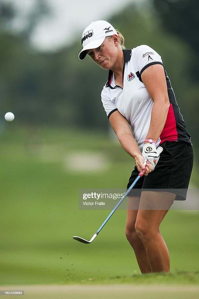 <a gi-track='captionPersonalityLinkClicked' href=/galleries/search?phrase=Stacy+Lewis&family=editorial&specificpeople=4217318 ng-click='$event.stopPropagation()'>Stacy Lewis</a> of USA chips into the 2nd green during day three of the Honda LPGA Thailand at Siam Country Club on February 23, 2013 in Chon Buri, Thailand.