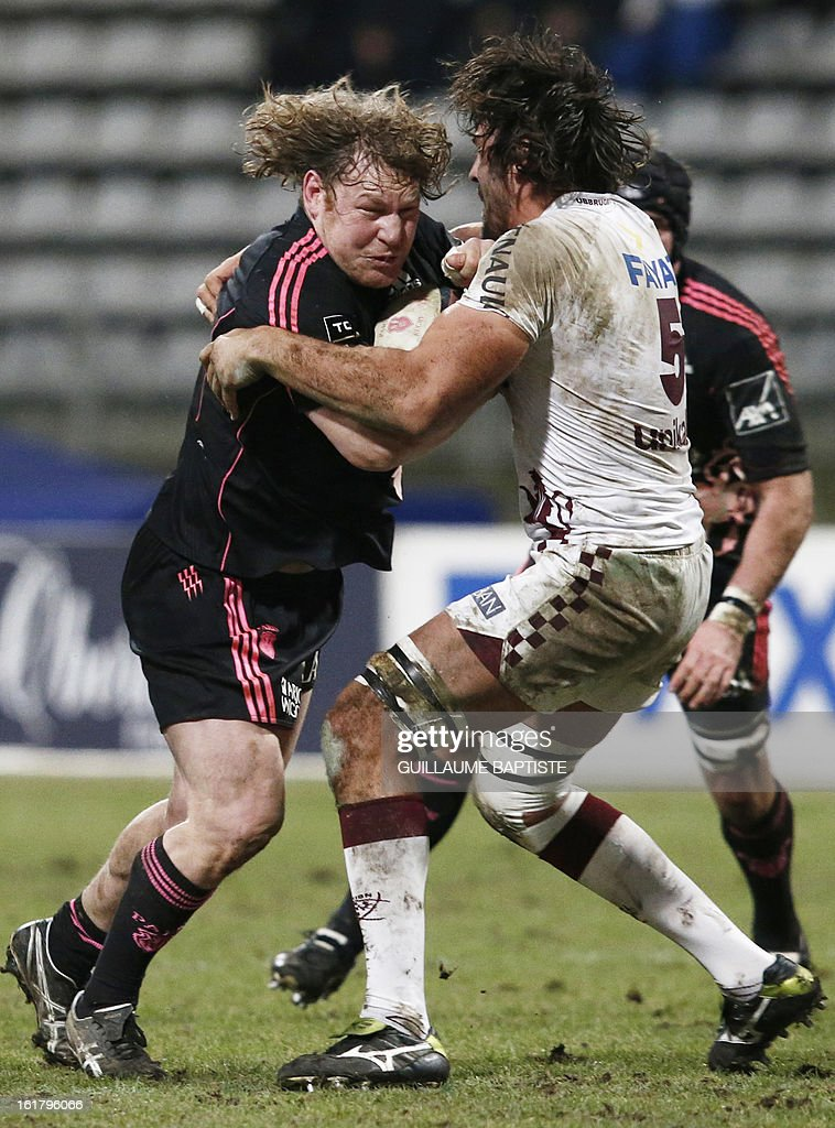 Stade Francais' New Zealander hooker Aled de Malmanche (L) vies with Bordeaux Begles' French lock Francois Tisseau during the French Top14 rugby union match between Stade Francais and Bordeaux-Begles on February 16, 2013 at the Stade Charlety in Paris.