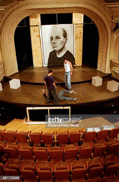 Staff Photo by Shawn Patrick Ouellette Tuesday July 15 2003 David Lewis of Seattle Washington acting as 'Strato' and Paul Coffey of New York City as...