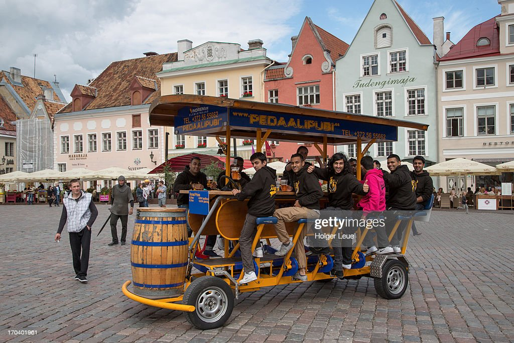 Stag party fun on Pedaalipubi pedal beer cart