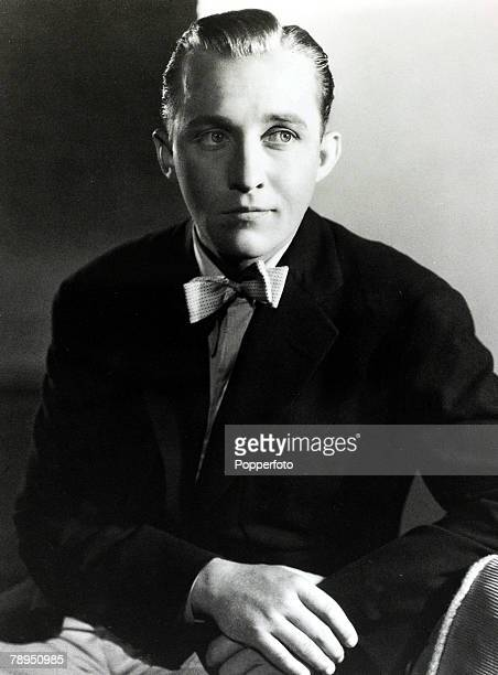 Stage and Screen Music / Personalities pic 1930 Bing Crosby portrait American singer Bing Crosby actor and singer famous for his 'crooning' style his...