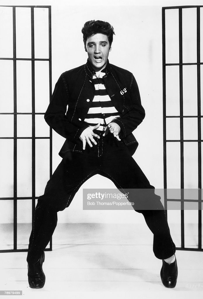 circa 1957 American actor/singer Elvis Presley appearing in the film 'Jailhouse Rock'