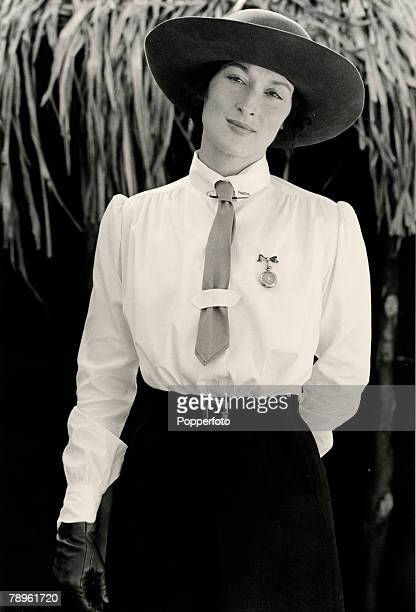 circa 1986 American actress Meryl Streep as Isak Dinesen in the film 'Out of Africa'