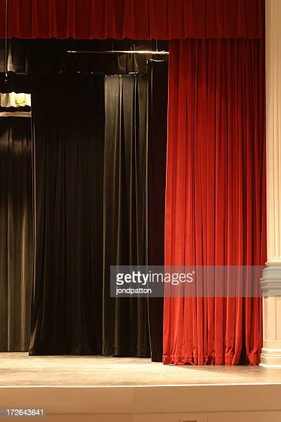 Bühne Vorhang 3