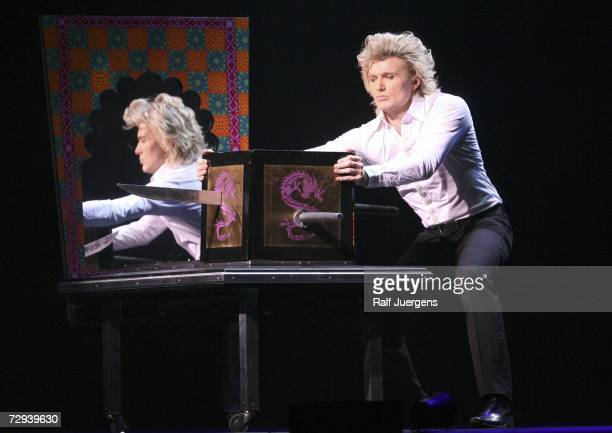 Stage magician Hans Klok performs at his World Premiere of 'Faster Than Magic' on January 5 2007 at the 'Koeln Arena' in Cologne Germany