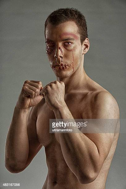 Golpeados etapa maquillaje cara HDR Retrato de hombre joven Ultimate fighter