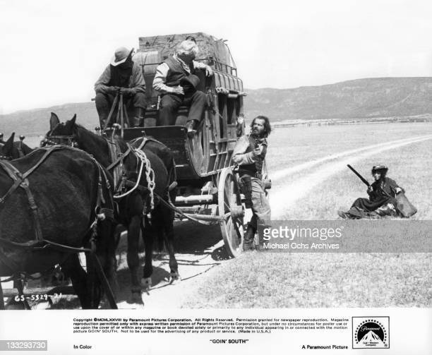 Stagecoach steered by Bob Wilson and Richard Bradford are held up by Jack Nicholson and Mary Steenburgen in a scene from the film 'Goin' South' 1978
