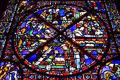 Una delle innumerevoli vetrate della cattedrale di Saint Etienne a Bourges
