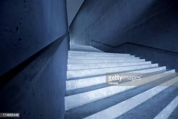 Escalier dans un bâtiment moderne