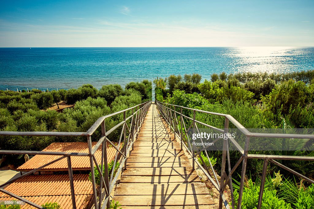 Escadas para o Mar Mediterrâneo : Foto de stock