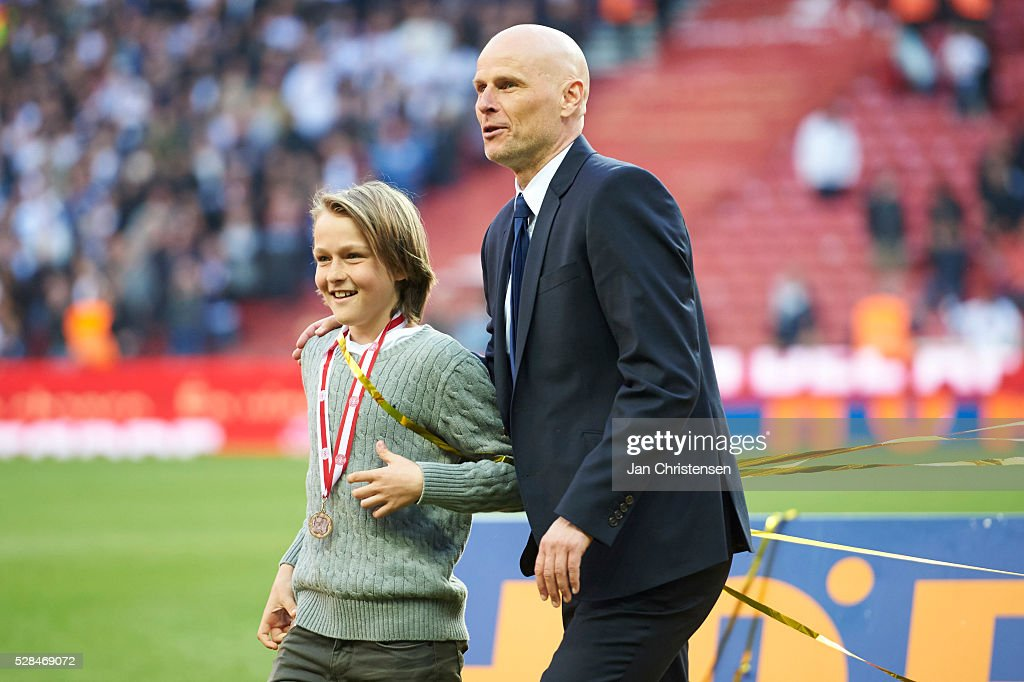 <a gi-track='captionPersonalityLinkClicked' href=/galleries/search?phrase=Stale+Solbakken&family=editorial&specificpeople=2726325 ng-click='$event.stopPropagation()'>Stale Solbakken</a>, head coach of FC Copenhagen celebrating after the DBU Pokalen Cup Final match between AGF Arhus and FC Copenhagen at Telia Parken Stadium on May 05, 2016 in Copenhagen, Denmark.