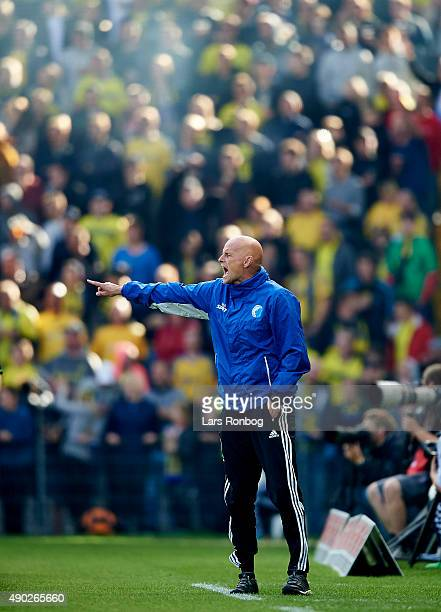 Stale Solbakken head coach of FC Copenhagen gives instructions during the Danish Alka Superliga match between Brondby IF and FC Copenhagen at Brondby...