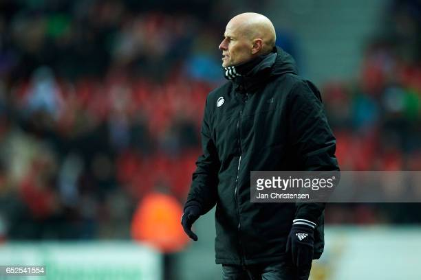Stale Solbakken head coach of FC Copenhagen gives instructions during the Danish Alka Superliga match between FC Copenhagen and Esbjerg fB at Telia...
