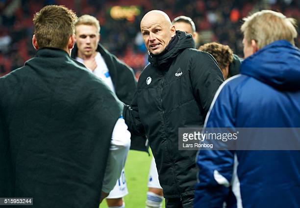 Stale Solbakken head coach of FC Copenhagen speaks to his players before extra time during the Danish DBU Pokalen cup quarterfinal match between FC...