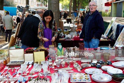 Stall at flea market marche aux puces de la porte de - Marche aux puces de la porte de vanves ...