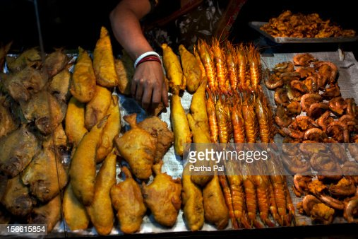 Stall for selling fry fishes in Digha. : Bildbanksbilder