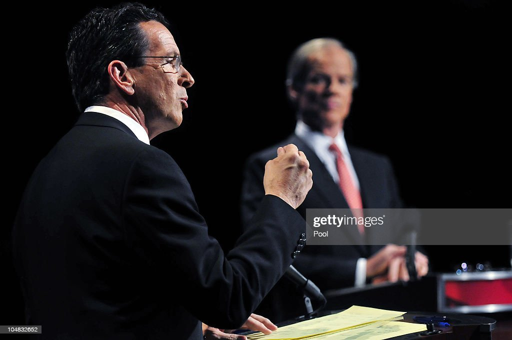 Stamford Mayor and Democratic nominee Dannel Malloy and former US Ambassador to Ireland businessman and Republican nominee Tom Foley participate in...